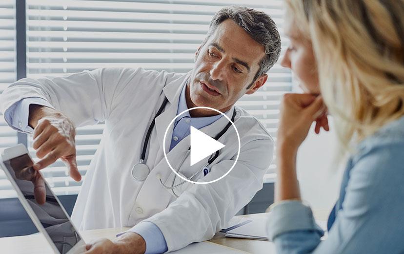 Der medizinische Leiter von Care for Cancer erklärt, wie Krebsvorsorge über die Online-Plattform funktioniert.